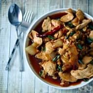 Пилешки хапки с кашу в пикантен сос