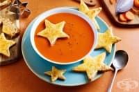 Доматена супа с чедър филийки