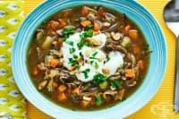 Гъбена супа с картофи и орехи