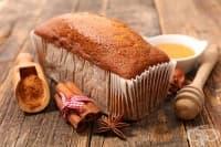 Домашен канелен хляб с мед
