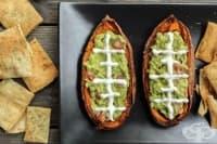 Пълнени сладки картофи с гуакамоле