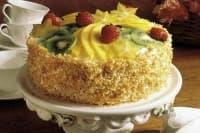 Лека кокосова торта с плодове и сметанов крем