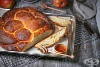 Козуначена плетена пита с ябълки и мед