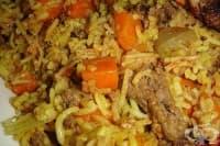 Задушен ориз с кайма и моркови