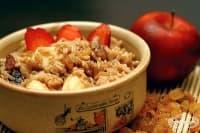 Сладък ориз с плодове и орехи