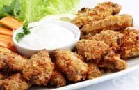 Пикантни пилешки крилца с пармезан, чесън и ароматни билки на фурна