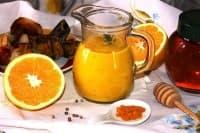 Портокалово-меден сос с лук, горчица и кориандър (за месо)
