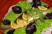 Пълнен шаран със сушени сини сливи и орехи