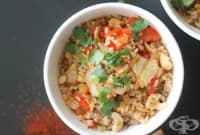 Пържен ориз с кашу, зеленчуци и бамбук
