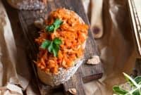 Разядка с моркови, чушки и чесън