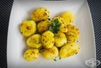 Шафранови картофки с масло, оцет и чесън