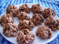 Какаови сладки с фъстъчено масло и овесени ядки