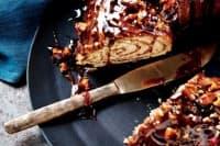 Сладко канелено руло с пекан и мед