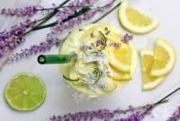 Лимоново смути с лавандула и цедено мляко