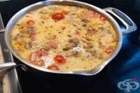 Супа от топено сирене с бекон, печурки и домати