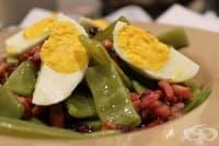 Зелен фасул с бекон и сварени яйца