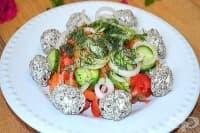 Зеленчукова салата с маслинова паста и извара