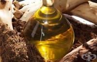 Направете си отморяващи соли за крака с масло от сандалово дърво