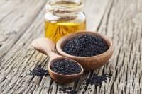 Подобрете храносмилането и респираторните проблеми с черен кимион