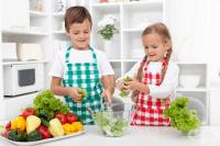 Давайте задачи на децата си, за да ги накарате да се чувстват полезни