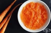 Заличете бръчките около очите с морков, 1 яйчен белтък и алое вера