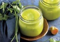 Намалете възпалението с напитка от кокос, ананас и куркума