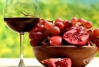 Направете кожата си гладка и сияйна с маска от вино, нар, розова глина и мед
