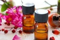 Подмладете кожата със серум от шипково масло