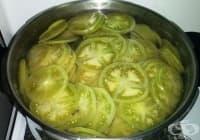 Прилагайте компреси от домат и оцет срещу разширени вени