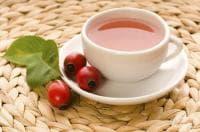 За да облекчите уринарната инфекция, пийте чай от шипки