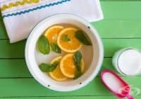Направете си релаксираща вана за крака от мента, портокал и морска сол