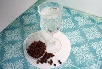 За силно сгряване при настинка, грип и треска изпийте шот с черен пипер или чесън