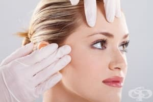 Втриването на бактерии на лицето помага в борбата с акнето
