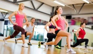 Само фитнесът не помага в борбата с килограмите, независимо от натоварването