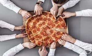 Кое мотивира повече – пица, пари или похвала