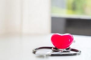 Промените в дължината на менструалния цикъл преди менопауза определят риска от сърдечно заболяване
