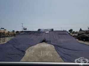 Създадоха най-големите дънки в света, тежащи повече от 5 тона