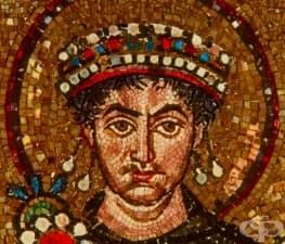 Лудият византийски император Юстин II, който чувал гласове и хапел хората