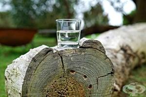 Колко вода трябва да пием на ден според теглото си – формули за изчисляване и таблица