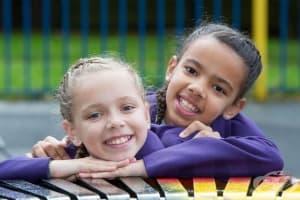 Марсия и Мили - близначките от различни раси