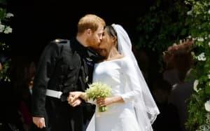 """Кралска сватба по холивудски: Принц  Хари и Меган Маркъл си казаха заветното """"да"""""""