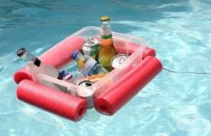 Как да си направим лодка за напитки от макарон за плуване?