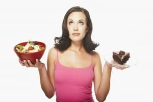 Учени: Храната в малка чиния и подходящ цвят помага за свалянето на килограми