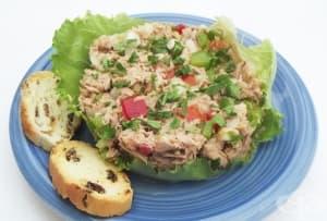 Цветна салата с риба тон