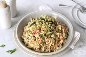 Яйчена салата с морков, зелен лук и майонеза