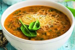 Доматена супа с нахут и бекон