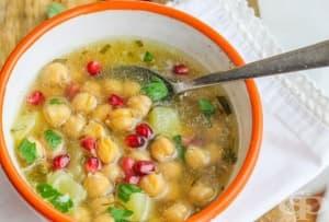 Гръцка супа с картофи, нахут и нар