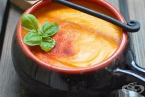 Тиквена крем-супа с картофи и топено сирене