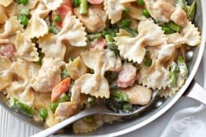 Макарони Примавера с пилешко и зеленчуци