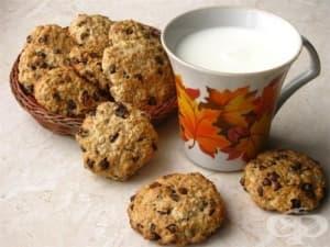 Овесени бисквити с парченца шоколад